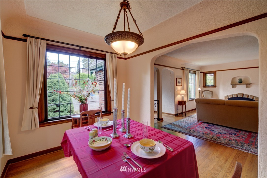 Sold Property   1214 NE 98th Street Seattle, WA 98115 8