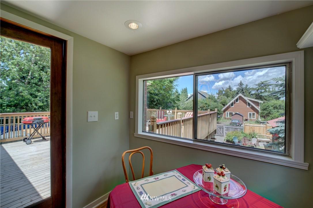 Sold Property   1214 NE 98th Street Seattle, WA 98115 11