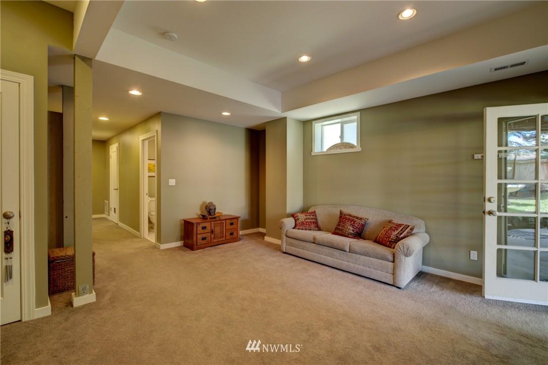Sold Property   1214 NE 98th Street Seattle, WA 98115 16