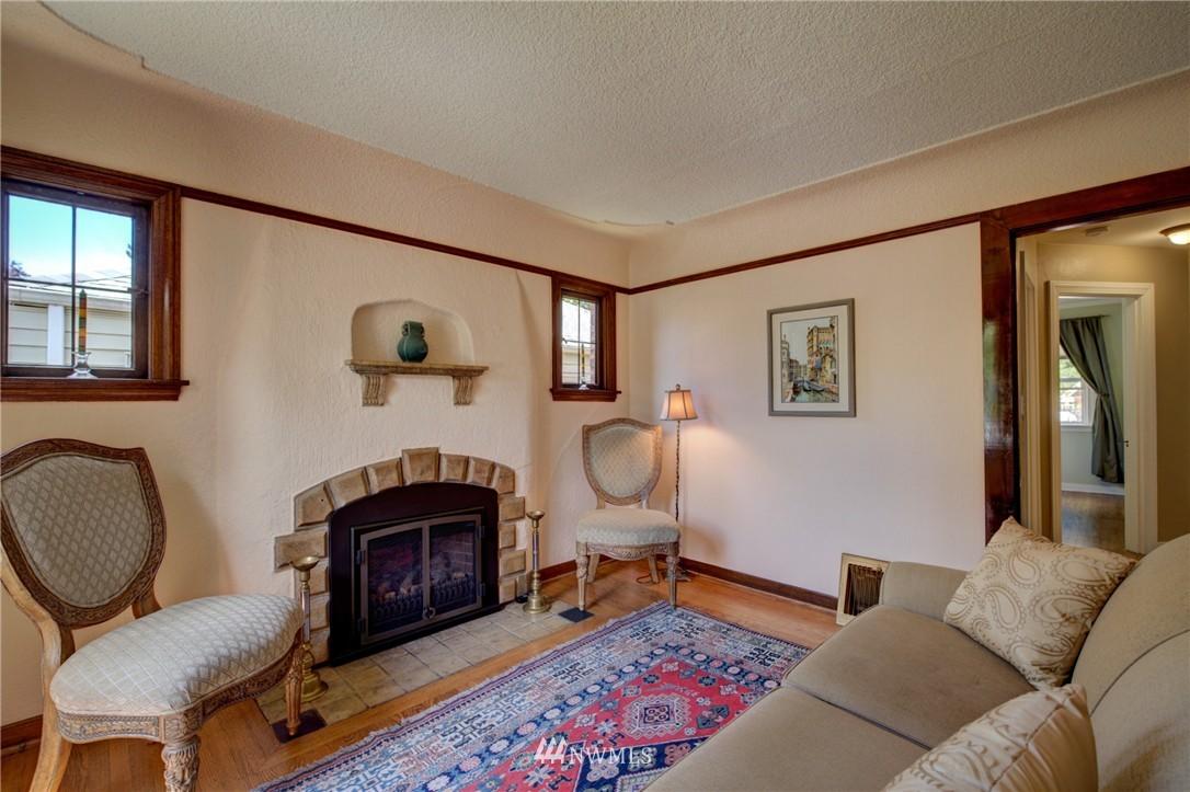 Sold Property   1214 NE 98th Street Seattle, WA 98115 5