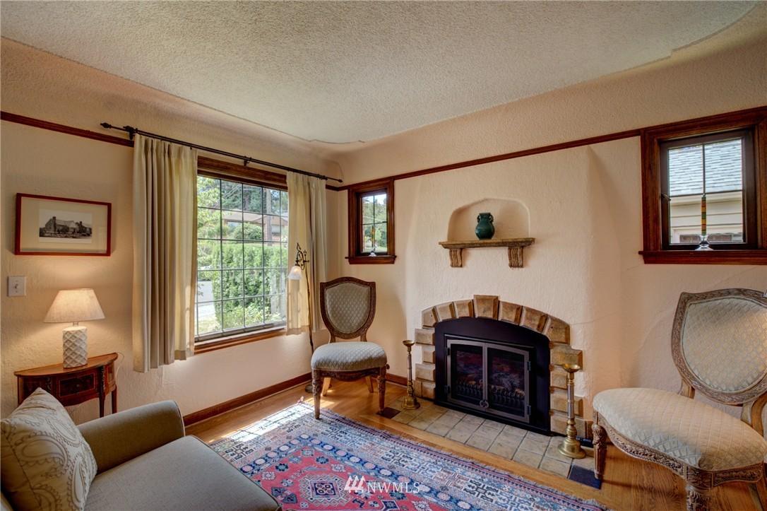 Sold Property | 1214 NE 98th Street Seattle, WA 98115 6