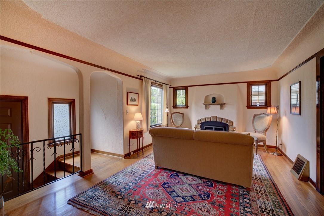 Sold Property | 1214 NE 98th Street Seattle, WA 98115 4