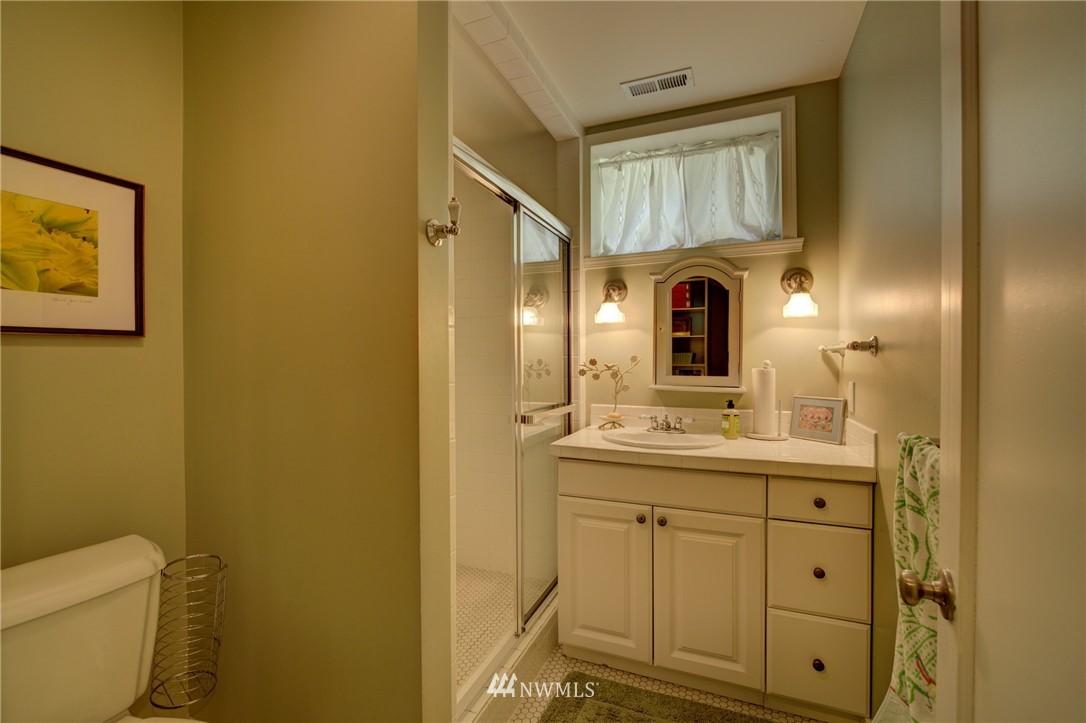 Sold Property   1214 NE 98th Street Seattle, WA 98115 19