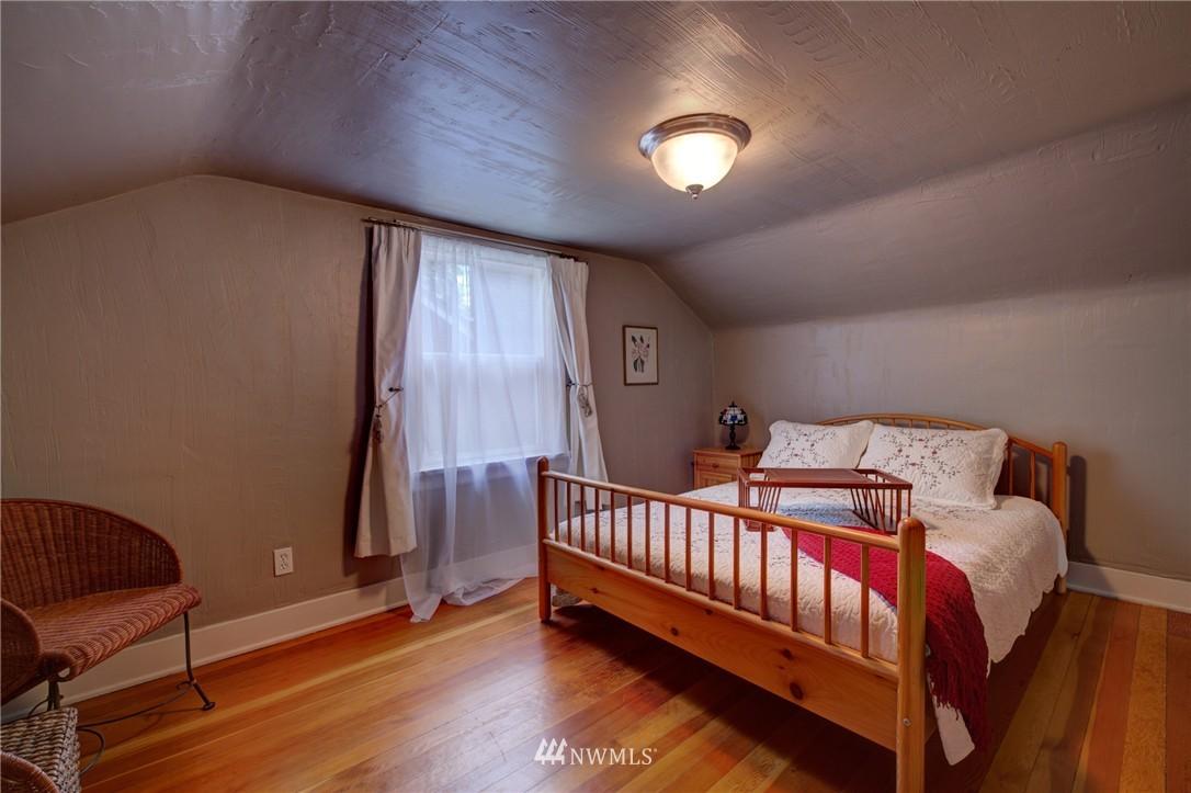 Sold Property   1214 NE 98th Street Seattle, WA 98115 14