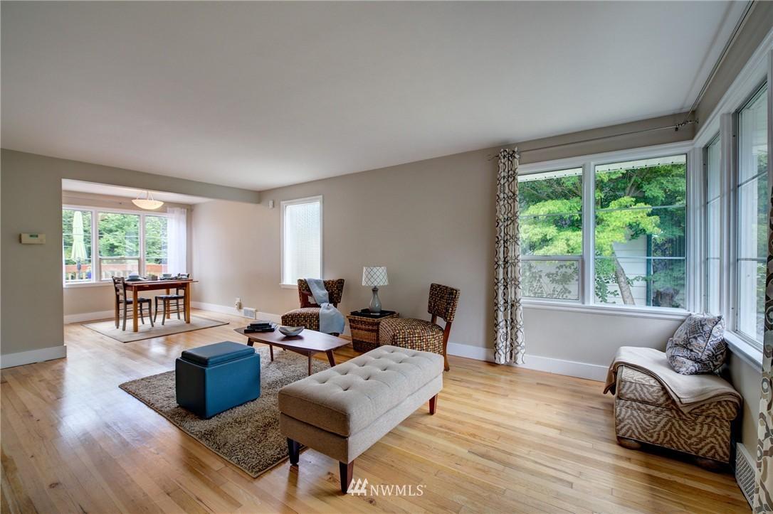 Sold Property   8027 40th Avenue NE Seattle, WA 98115 4