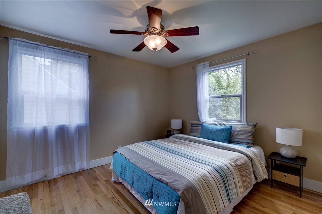 Sold Property   8027 40th Avenue NE Seattle, WA 98115 9