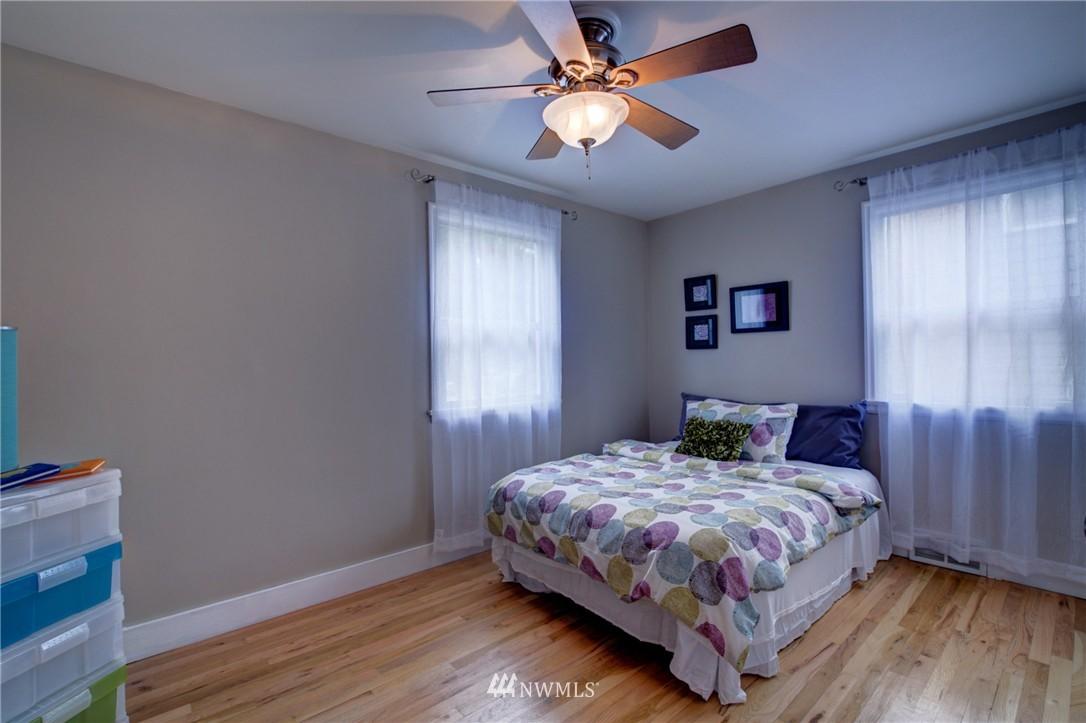 Sold Property   8027 40th Avenue NE Seattle, WA 98115 11