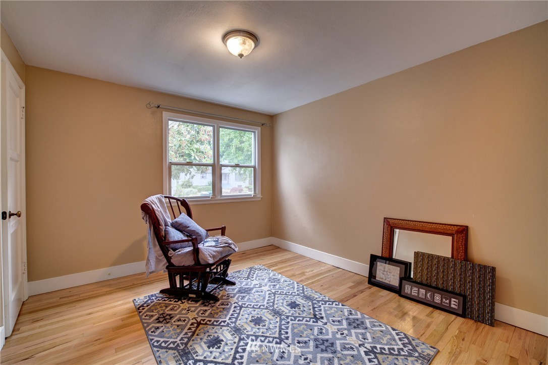 Sold Property   8027 40th Avenue NE Seattle, WA 98115 12
