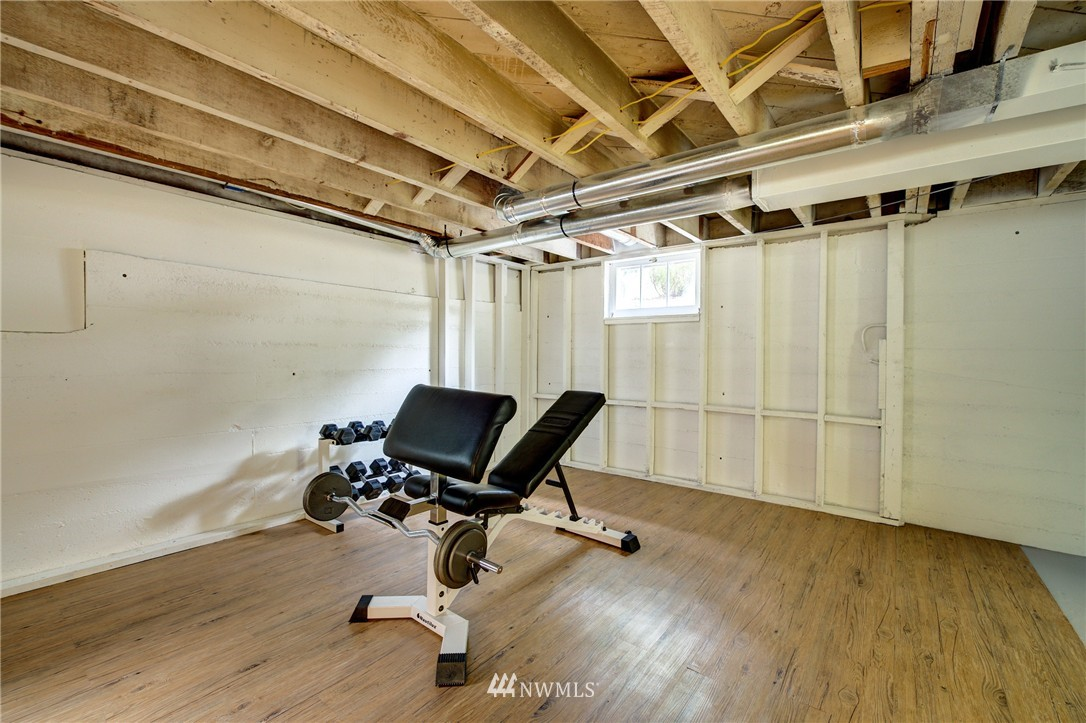 Sold Property   8027 40th Avenue NE Seattle, WA 98115 16