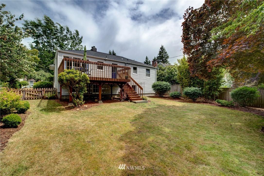 Sold Property   8027 40th Avenue NE Seattle, WA 98115 18