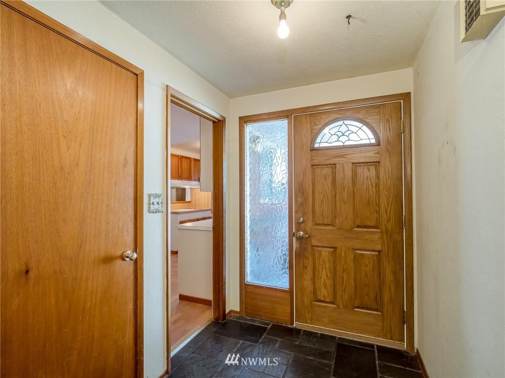 Sold Property   521 N 198th Street Shoreline, WA 98133 2
