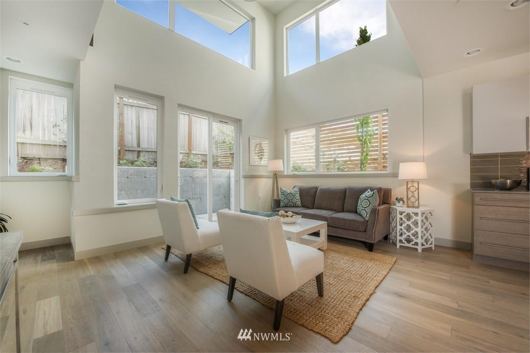 Sold Property | 4329 Woodland Park Avenue N Seattle, WA 98103 3