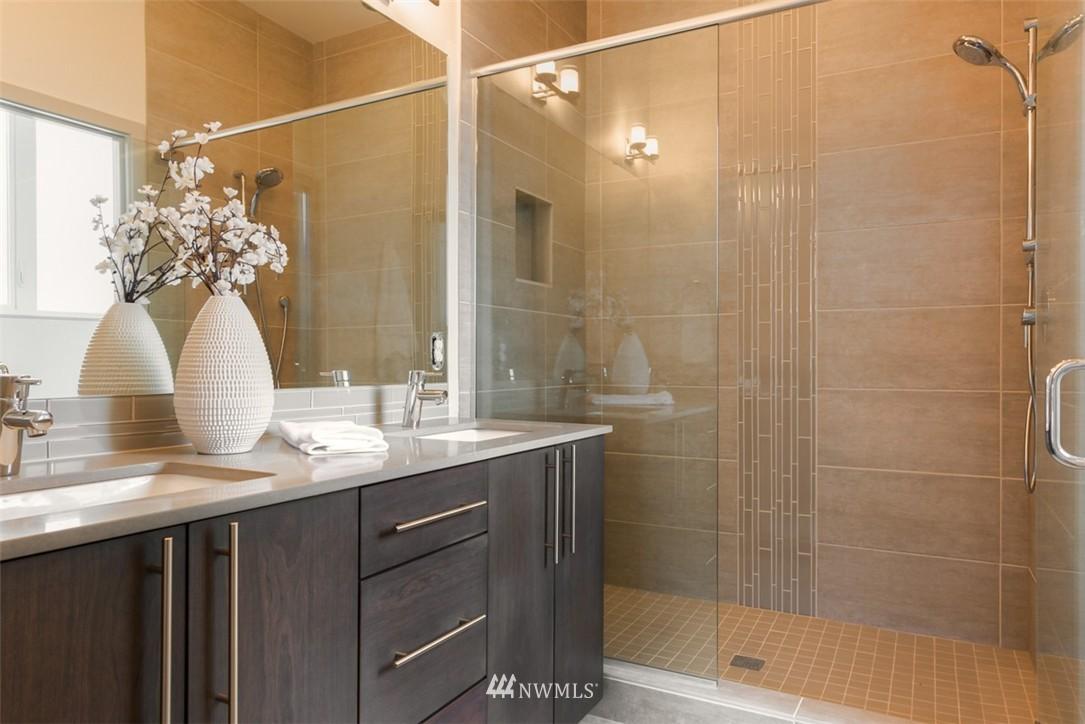 Sold Property | 4329 Woodland Park Avenue N Seattle, WA 98103 7