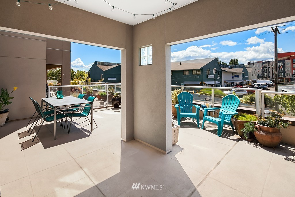 Sold Property   3300 Meridian Avenue N #202 Seattle, WA 98103 13