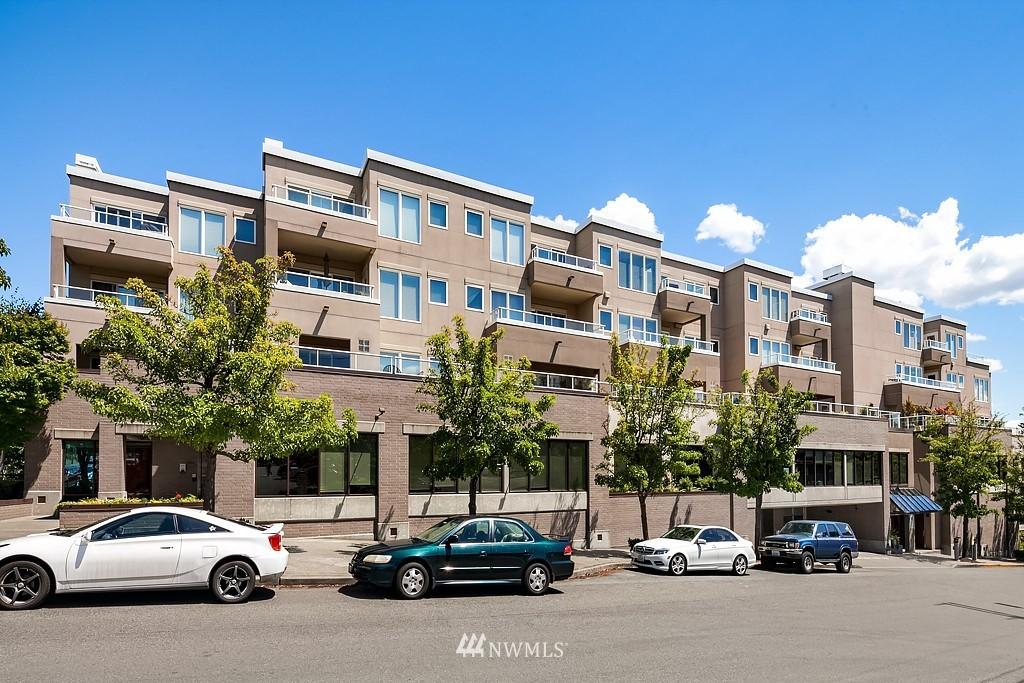 Sold Property   3300 Meridian Avenue N #202 Seattle, WA 98103 15