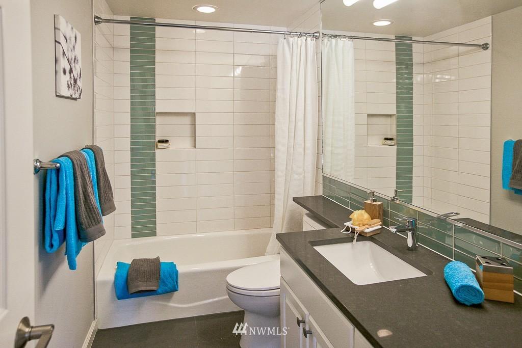 Sold Property   3300 Meridian Avenue N #202 Seattle, WA 98103 8